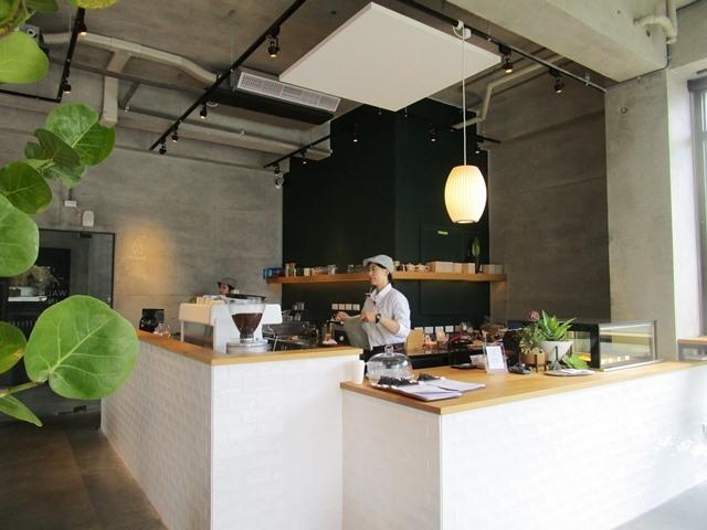 2018-6-8walk in cafe 023.JPG