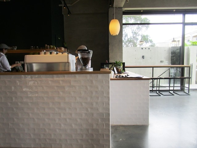 2018-6-8walk in cafe 035.JPG