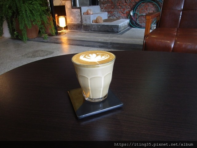2018-10-9modism cafe 008.JPG