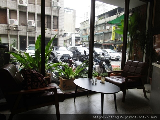 2018-10-9modism cafe 023.JPG