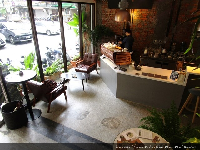2018-10-9modism cafe 030.JPG