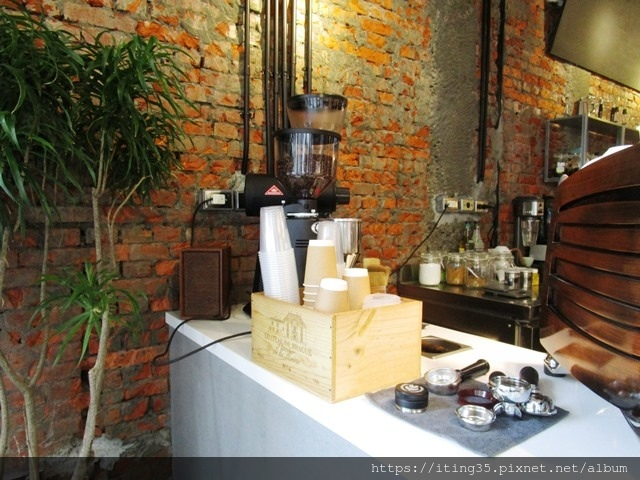 2018-10-9modism cafe 024.JPG