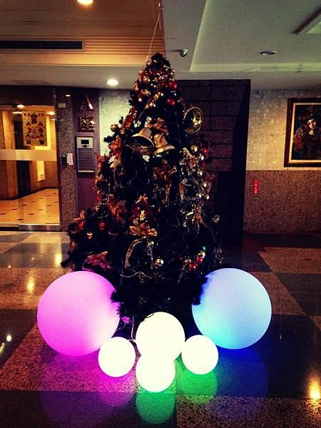 LED遙控發光球|七彩發光球|發光圓球小夜燈|防水泳池圓球燈