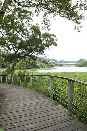 2-1峨眉湖步道.jpg