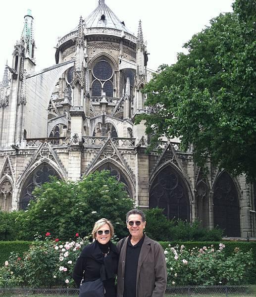 Lynne and Tim at Notre Dame in Paris.jpg
