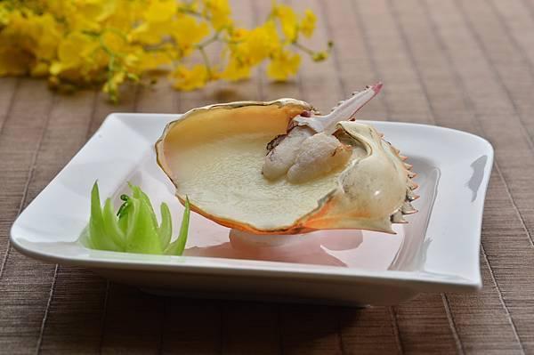 海鮮類-陳年高粱酒蛋白蒸蟹鉗.jpg
