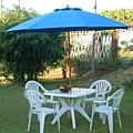 3x3方形塑膠桌椅組-9尺玻纖鋁中棒休閒傘.JPG