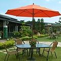3x5全鋁玻璃桌椅組-9尺全玻纖休閒傘(手搖式).JPG