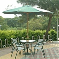 80cm古綠圓鐵桌-7尺纖維仿木傘(手開式).jpg