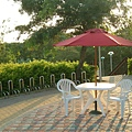 3x3塑膠桌椅_7尺木頭傘(酒紅).jpg