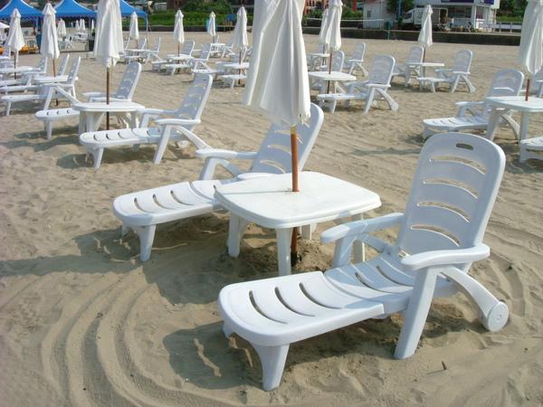 分段式塑膠躺椅2.jpg