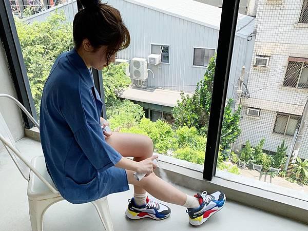JBLIN嫩白防曬氣壓噴霧會黏嗎.jpg