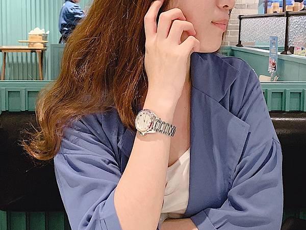 Vogue Studio晶彩系列鑽錶OL穿搭.JPG