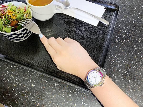 Vogue Studio晶彩系列鑽錶穿搭.jpg