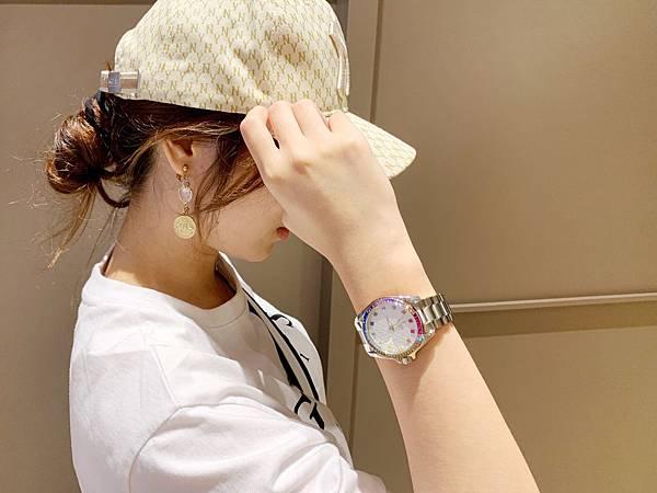 Vogue Studio晶彩系列鑽錶美式休閒風格穿搭示範04.jpg