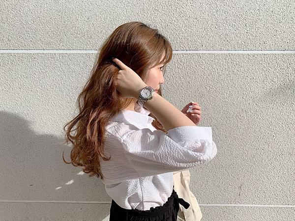 Vogue Studio晶彩系列鑽錶黑白簡約穿搭02.jpg