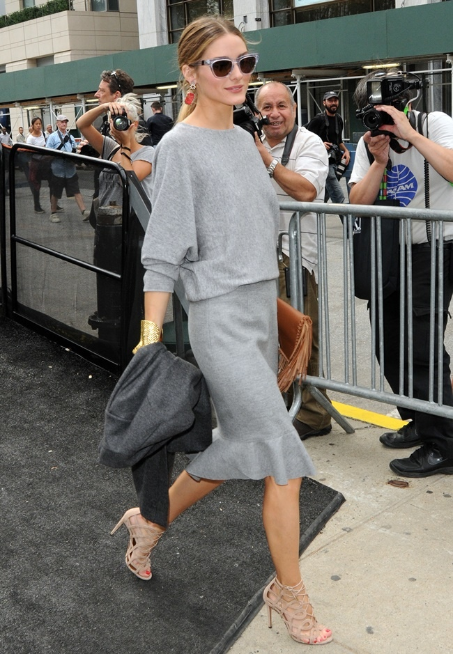 olivia-palermo-fringe-clutch-lace-up-sandals-carolina-herrera-new-york-fashion-week-spring-2015-3.jpg
