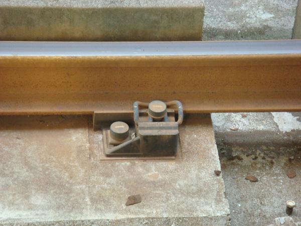 微小-鐵軌