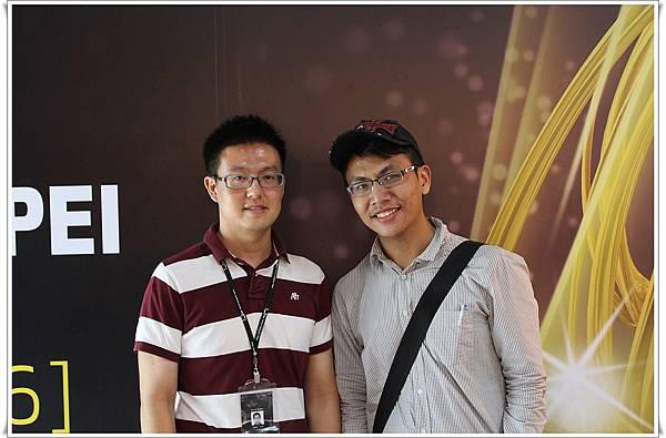 Fres Pian 我跟他說打英文感覺像是很厲害的設計師...XD
