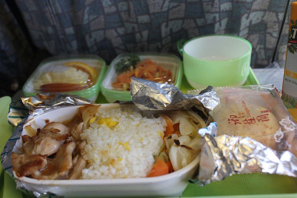 機上餐點:家鄉雞肉飯