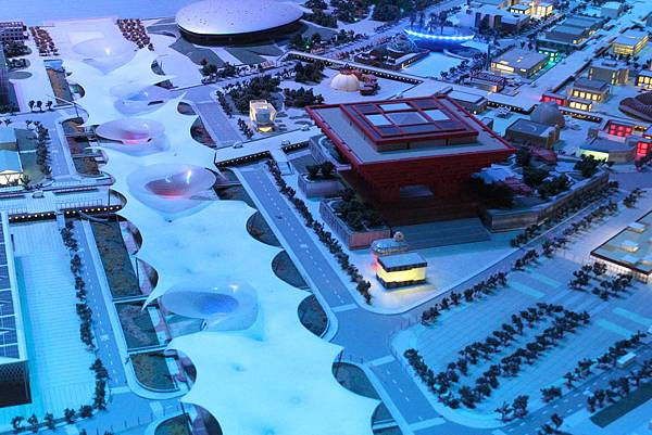 2010當年世博的模型 - 紅色很顯眼的中國館