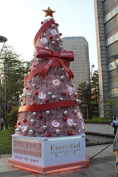 說好要拍聖誕樹 (誠品信義店)