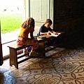 小朋友在寫作業