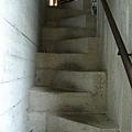 這階梯走了應該會摔倒