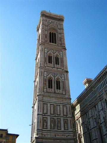 喬托設計的鐘塔