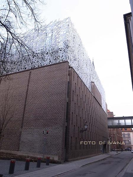 3/3慕尼黑_停車場蓋這麼漂亮是要?