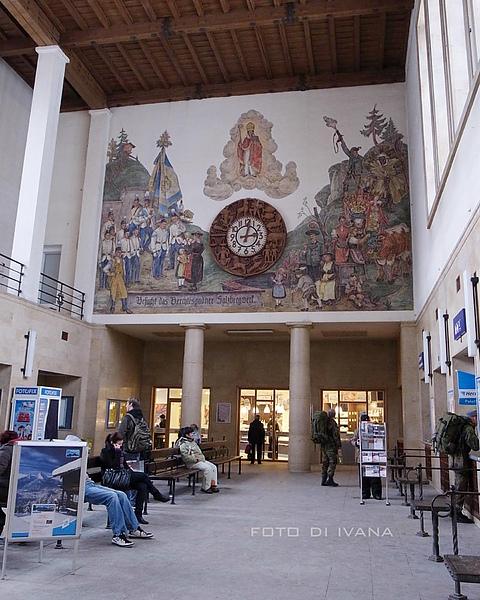 3/5 Berchtesgaden Hbf 火車站內的壁畫