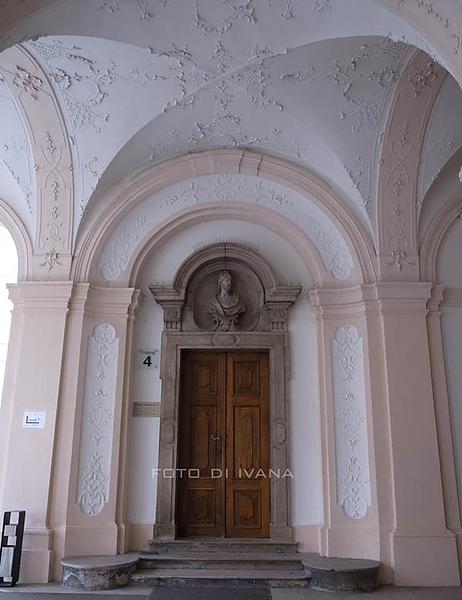 3/5 Schloss Mirabell