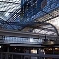 3/10 Berlin Hbf大得非常恐怖,層層疊疊匯集各種月台