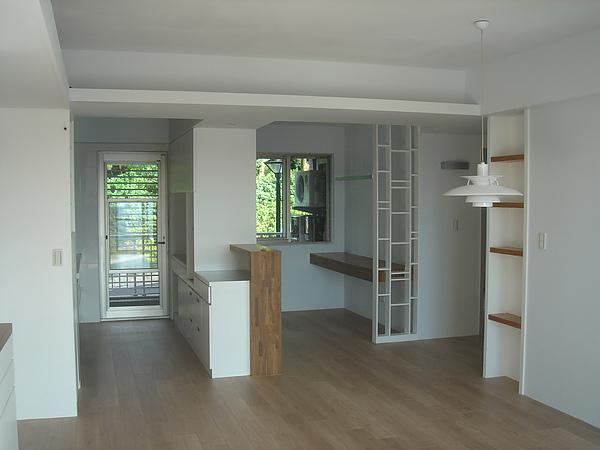 打除隔間重建的廚房與書房