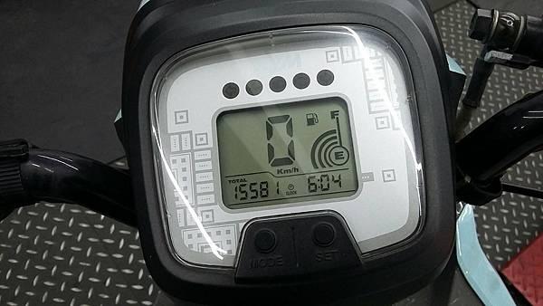 10651