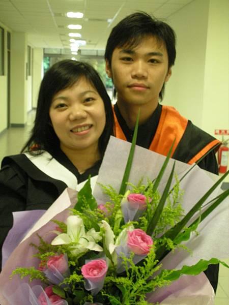 2.第2年我們同一年畢業了.JPG