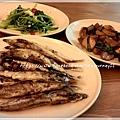 涼拌莧菜、三杯杏鮑菇、乾煎喜相逢柳葉魚.jpg