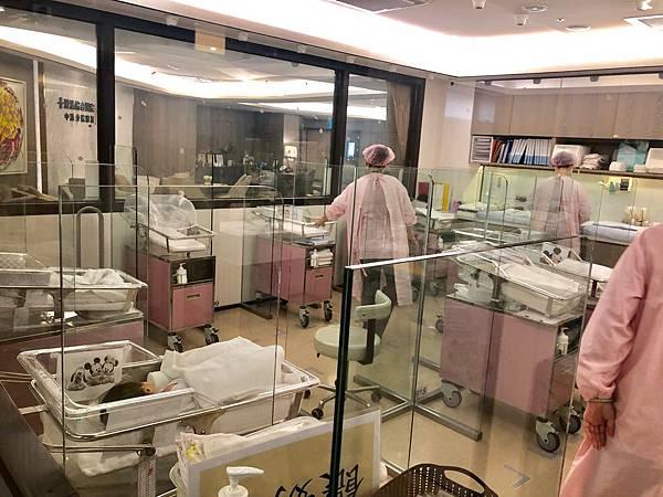 嬰兒室24小時監控
