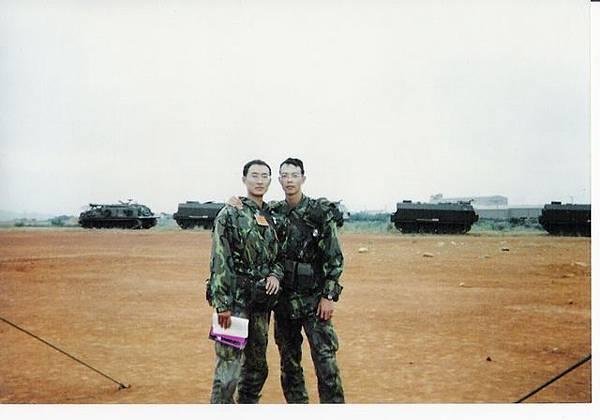 25歲的我,左邊