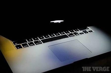喬布斯遺作 蘋果獲MacBook玻璃觸控板設計專利