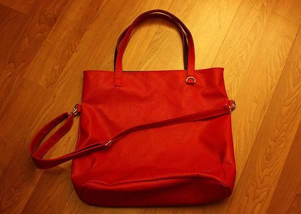 韓國買的紅色大包!!