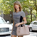 Taylor-Swift-Prada-Executive-Tote1-620x475.jpg