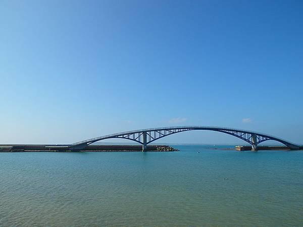 早上的彩虹橋
