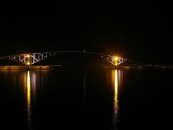 十點半後的彩虹橋