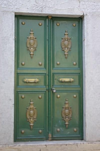 番24-番紅花城的一扇門