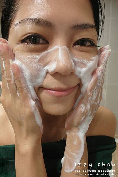 1028深層潔淨超綿感泡泡保濕洗面乳
