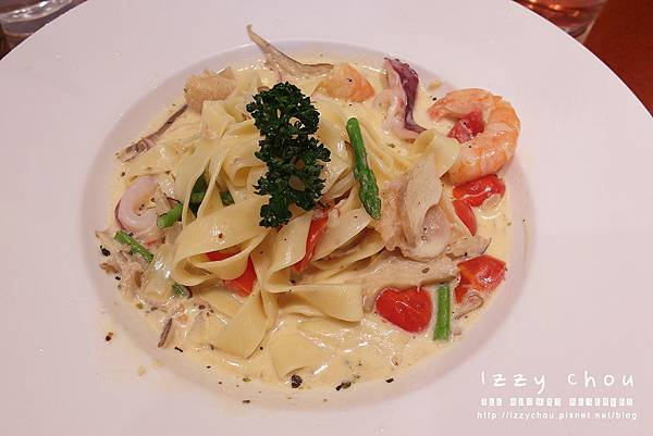 chop chop 恰恰親子餐廳 馬賽海鮮奶油寬扁麵
