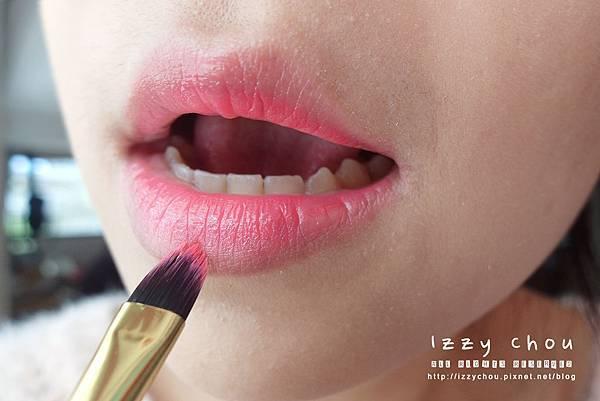 韓系染唇妝畫法
