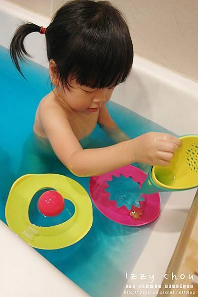 LAVIDA 比利時Quut戲水玩沙組 愛心造型模具 多功能漏斗刨杯