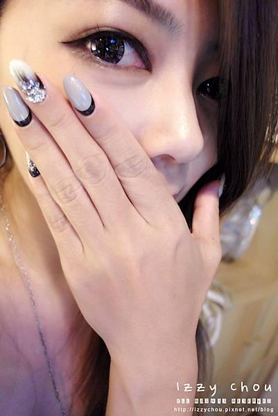 手部光療 黑白個性風 水墨刷紋 凝膠指甲推薦